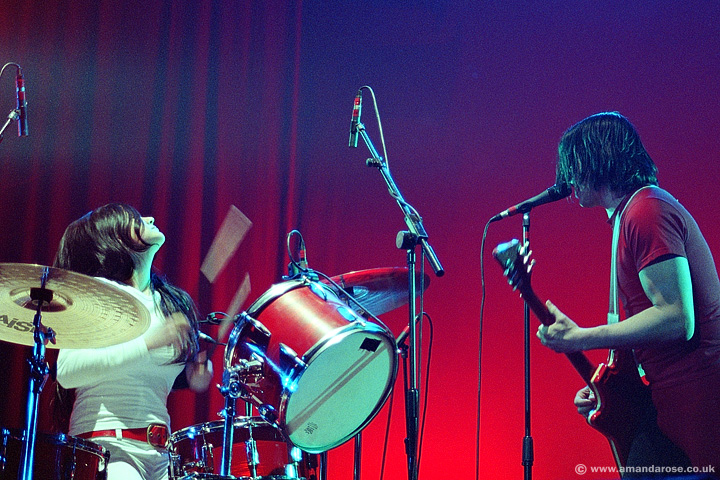 The White Stripes, performing live at Brixton Academy, 11th April 2003