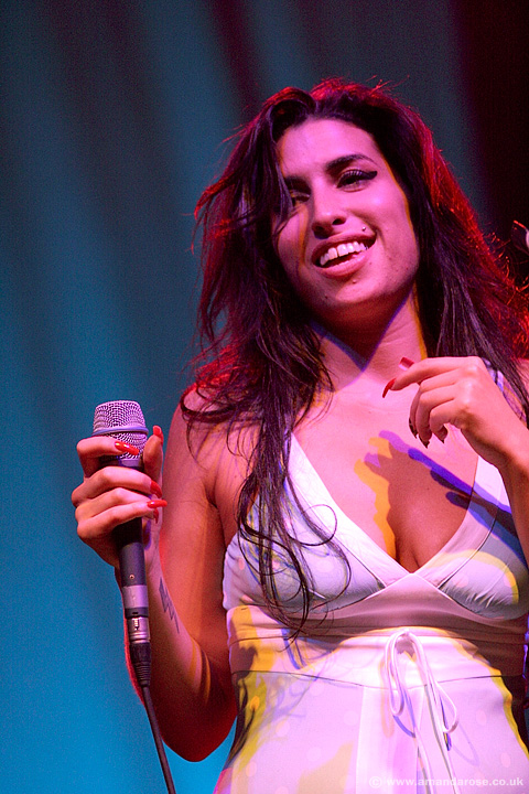 Amy Winehouse, performing live at Brixton Academy, 19th November 2004
