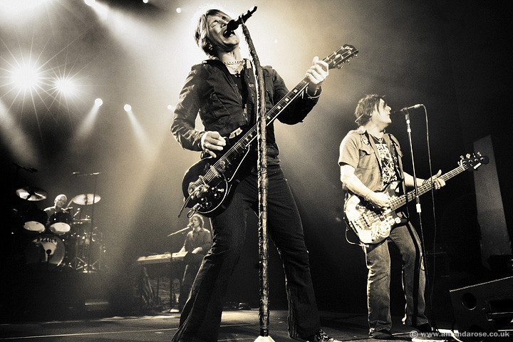 Goo Goo Dolls, performing Live at Brixton Academy, 13th November 2010