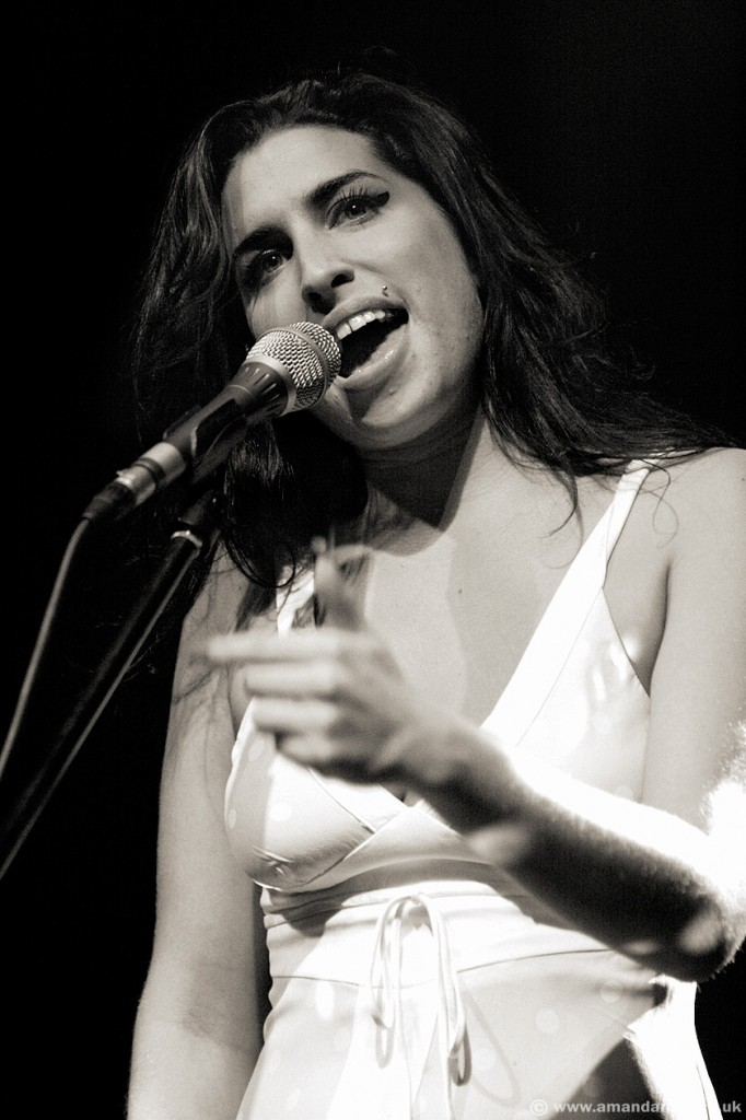 Amy Winehouse, performing live at Brixton Academy, 19th November 2004