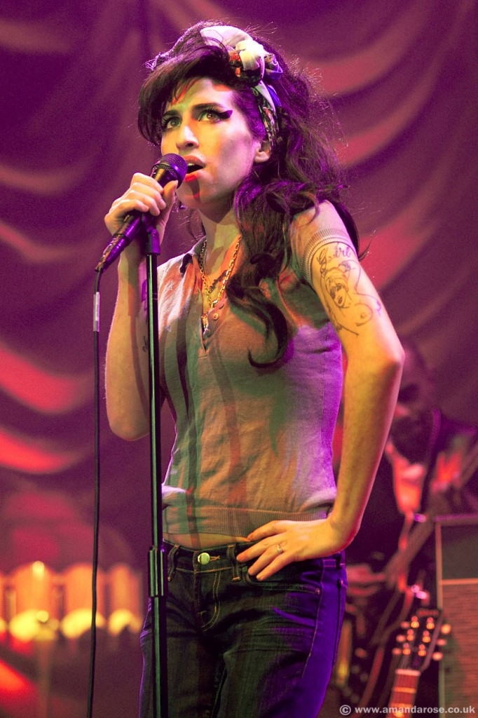 Amy Winehouse, performing live, Brixton Academy, 23rd November 2007